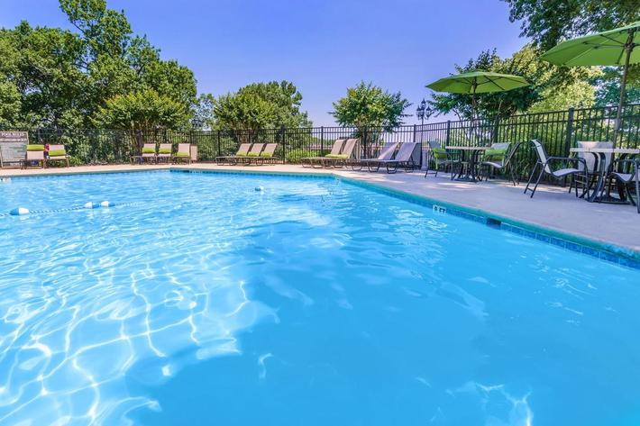 Take a Dip in The Pool At Nob Hill In Nashville, TN