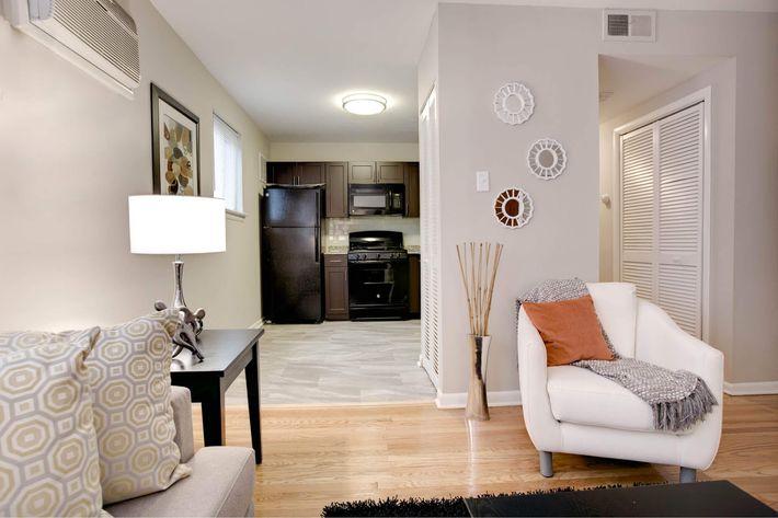 Green Manor Interior 2-4-2016-240dpi-90.jpg