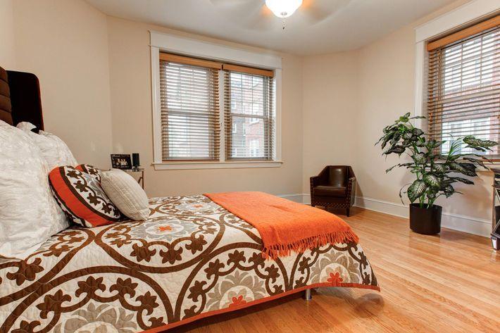 Scully Greene Manor 240dpi--5.jpg