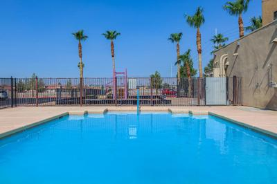 This is the pool at Las Brias De Cheyenne Apartments
