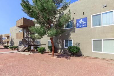APARTMENT LIVING AT LAS BRISAS DE CHEYENNE IN LAS VEGAS, NEVADA