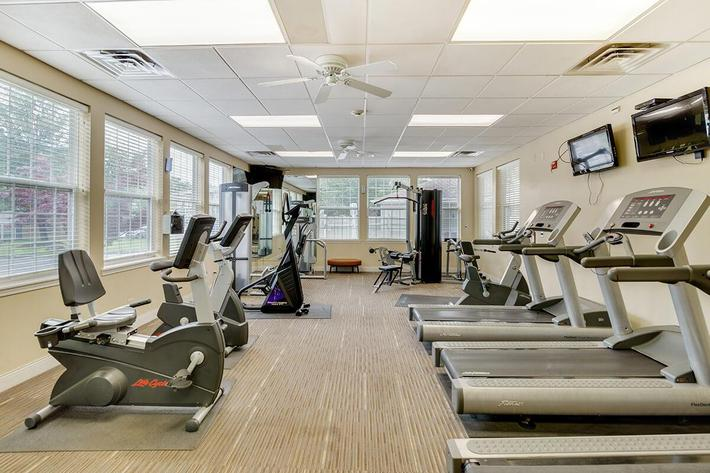 Fitness-Center_The-New-Colonies_316-W-34th-St-Steger-IL_RPI_PJ03757_05.jpg