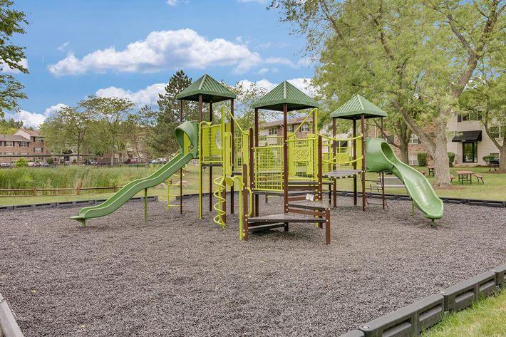 Playground_The-New-Colonies_316-W-34th-St-Steger-IL_RPI_PJ03757_12.jpg