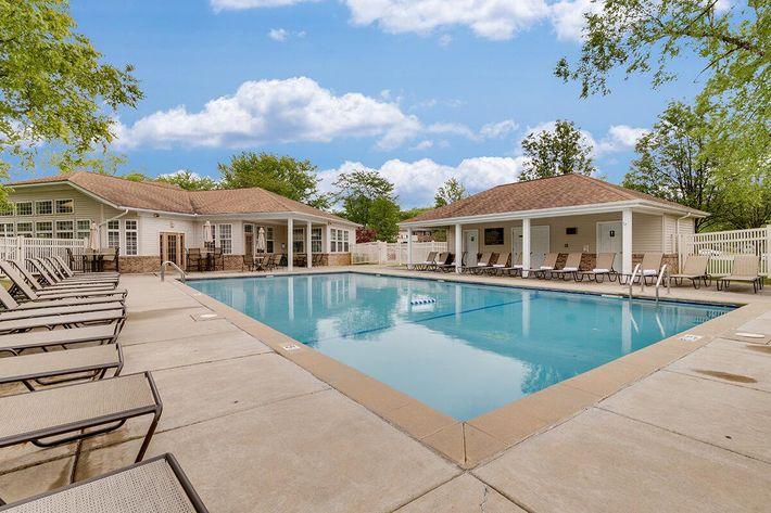 Pool_The-New-Colonies_316-W-34th-St-Steger-IL_RPI_PJ03757_17.jpg