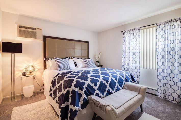 Bedroom_The-New-Colonies_316-W-34th-St-Steger-IL_RPI_PJ03757_06.jpg