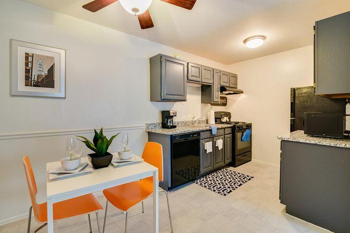 Kitchen_The-New-Colonies_316-W-34th-St-Steger-IL_RPI_PJ03757_09.jpg