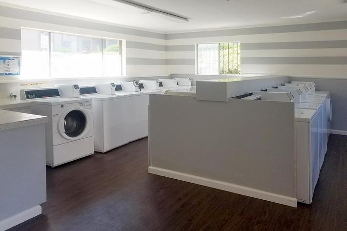 laundry room (3).jpg