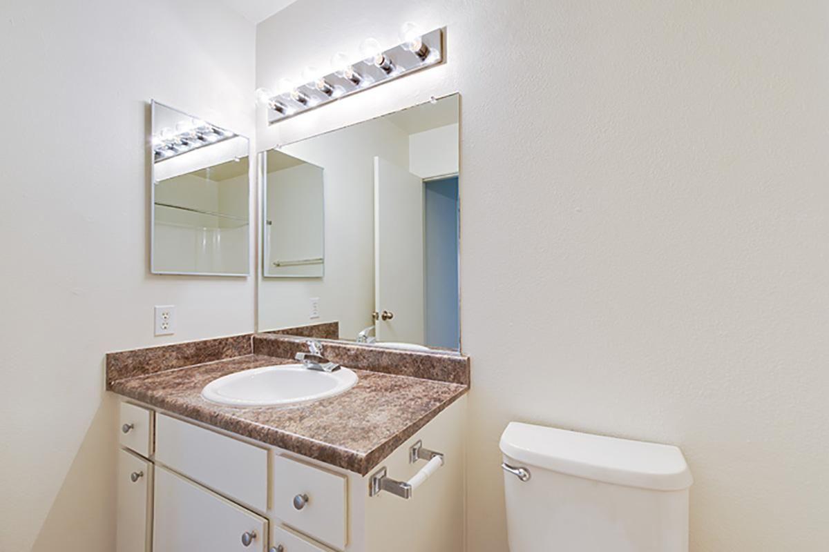 02_Torrey bathroom1.jpg