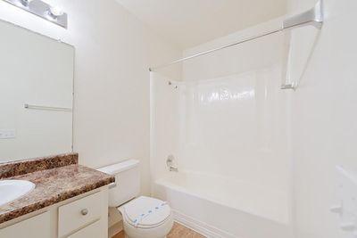 02_Torrey bathroom2.jpg