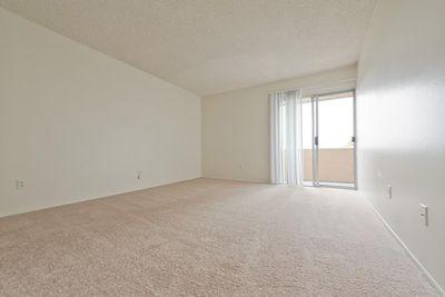 02_Torrey bedroom2.jpg