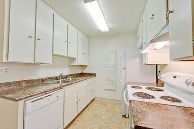 02_Torrey kitchen2.jpg