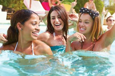 amenities-pool-women.jpg