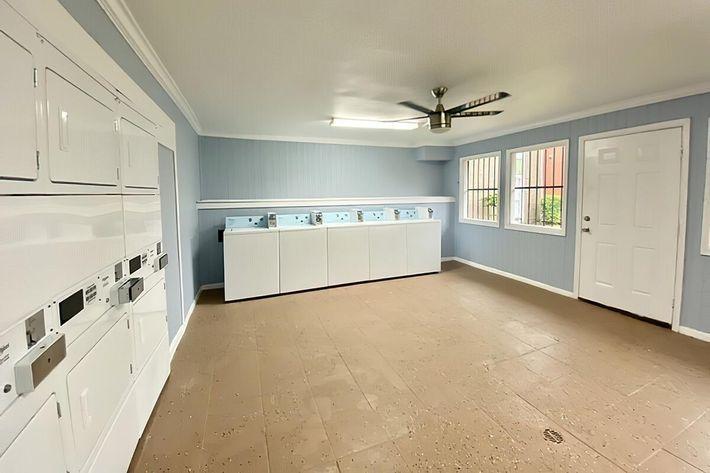 Laundry Room 2-width-2400px.jpg