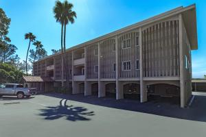 Take advantage of the covered parking at Casa Del Norte in San Diego, CA