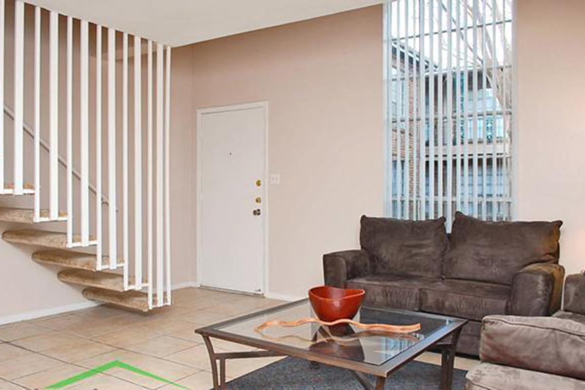 Livingroom 4.JPG