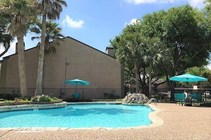 Pool 1-width-2400px.jpg