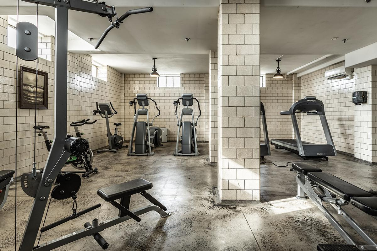 41-{Central State Mansion Gym}.jpg