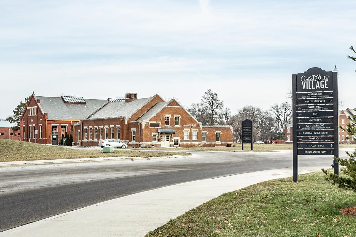 CENTRAL STATE VILLAGE LOCATION CLOSE TO DOWNTOWN
