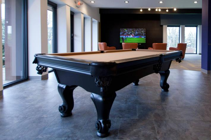 4_27_12_collegetowne_the_spot_pool_table_tv.jpg