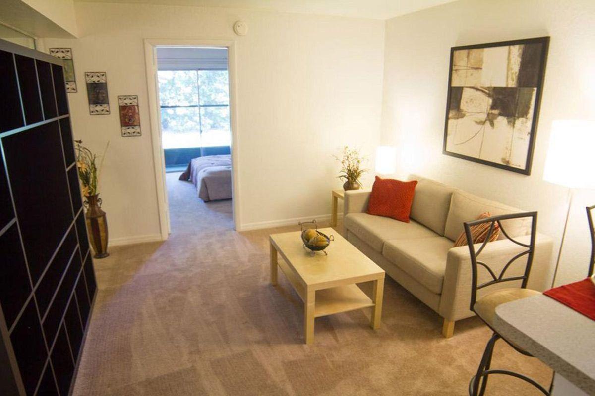 Living Room - Copy1.jpeg