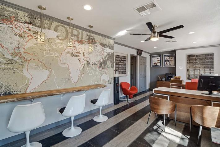 seventeen-805-17805-apartments-for-rent-phoenix-az-85032-leasing-office.jpg