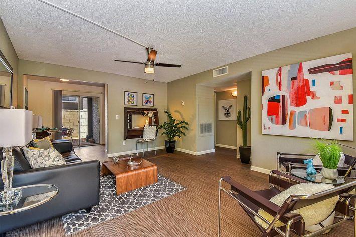 seventeen-805-17805-apartments-for-rent-phoenix-az-85032-model-living-room.jpg