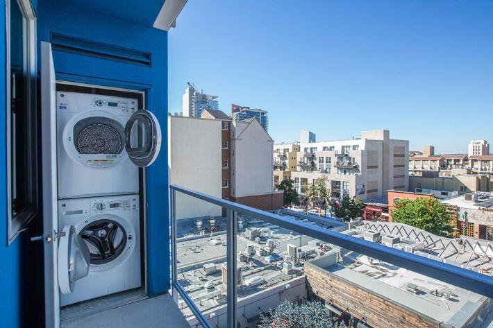 05b Balcony Laundry.jpg