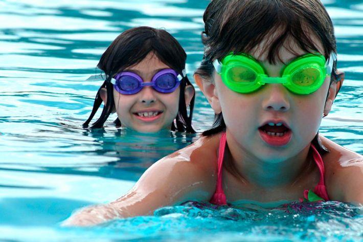 2kids-swimming_iStock_000004986511.jpg