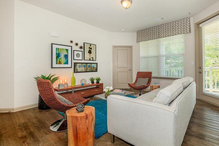 living-room-6369331_412651.jpg