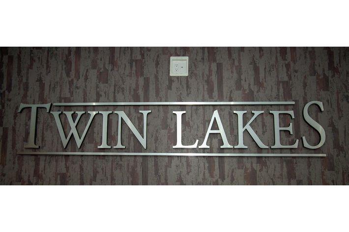 Twin Lakes.jpeg
