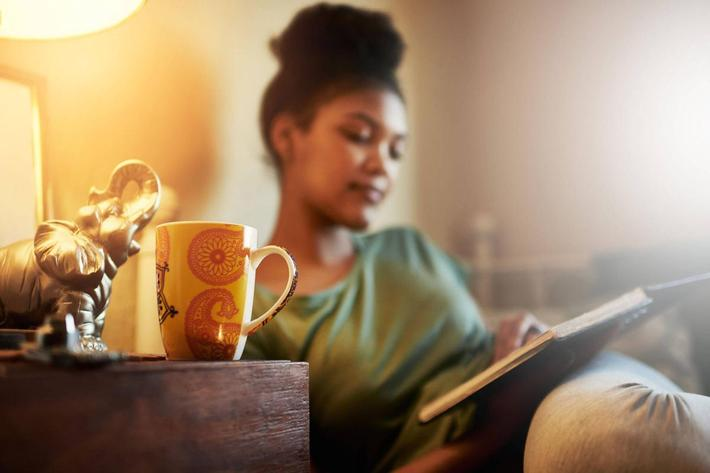 Woman-reading-iStock-538033032.jpg