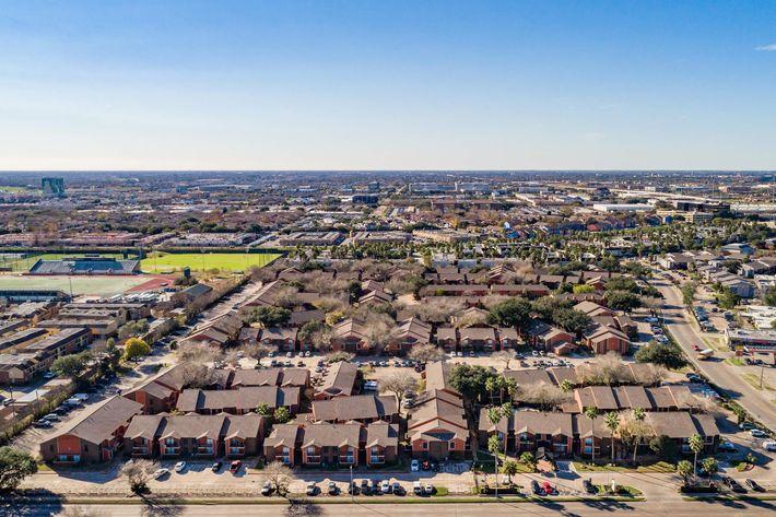 Urban Palms Aerial 2.jpg