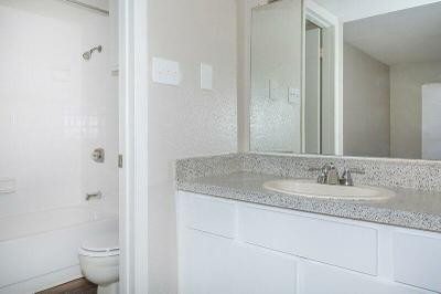 2nd bathroom B3.jpg