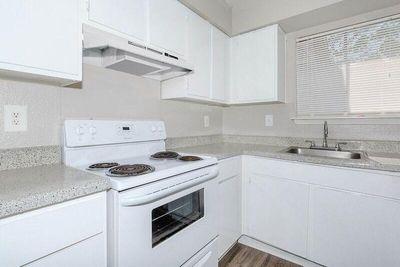 Kitchen B3.jpg
