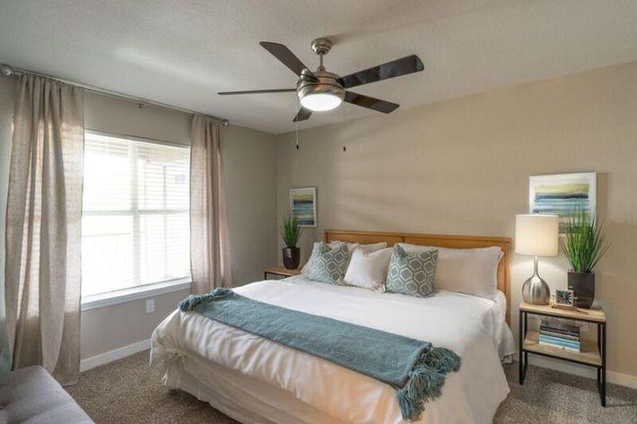 Wendy Rae Walker - 2019-08-13 18-46-39 - bedroom.jpg