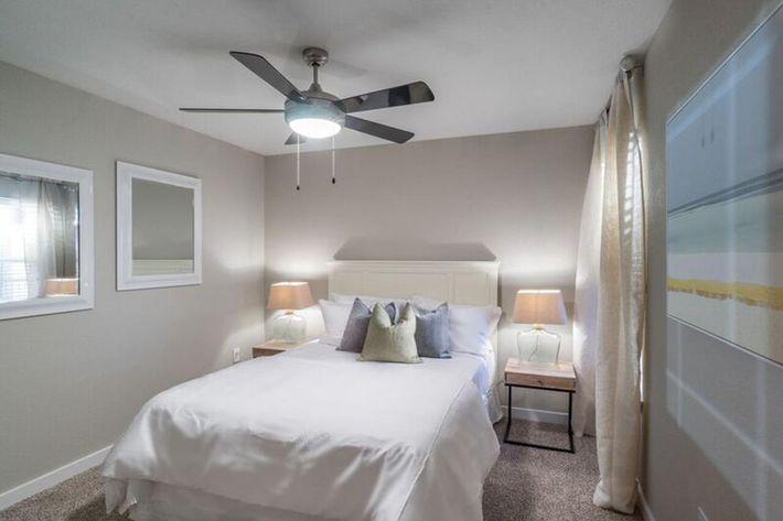 Wendy Rae Walker - 2019-08-13 18-46-40 - bedroom2.jpg