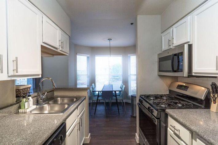 Wendy Rae Walker - 2019-08-13 18-46-45 - kitchen2.jpg