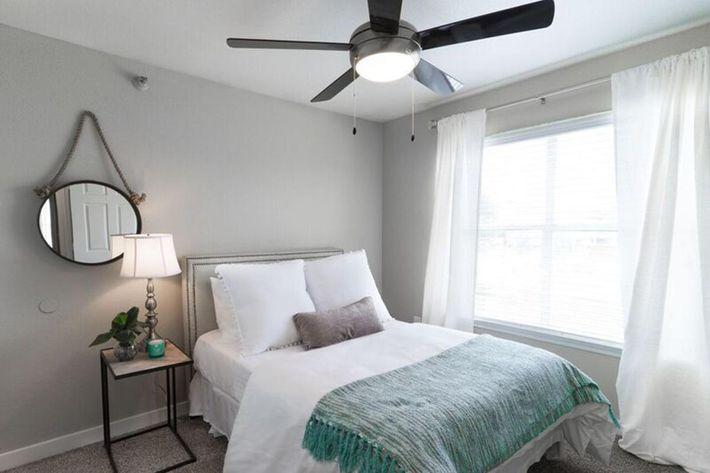 Wendy Rae Walker - 2019-08-13 18-46-49 - bedroom.jpg