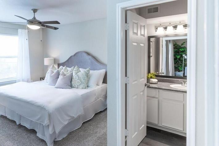 Wendy Rae Walker - 2019-08-13 18-46-51 - bedroom3.jpg