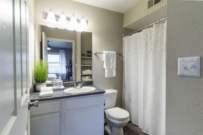 Wendy Rae Walker - bathroom2.jpg