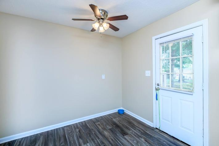 Make yourself at home here at The Residences at 1671 Campbell in Clarksville, Tennessee