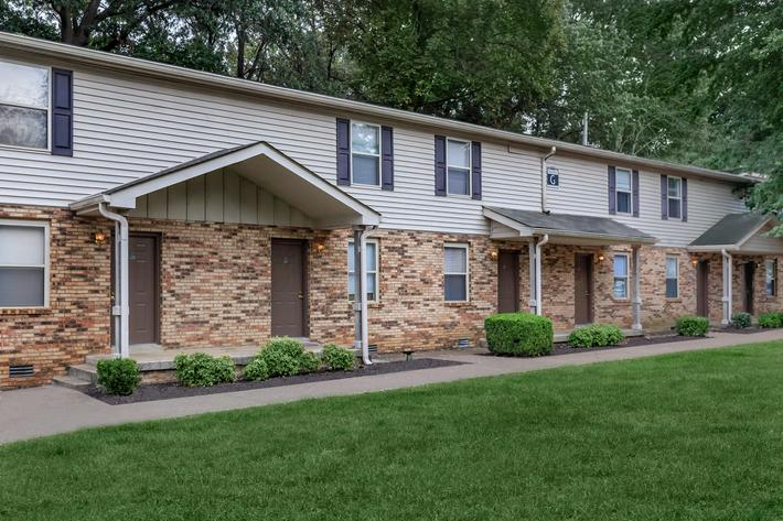 Charming community here at The Residences at 1671 Campbell in Clarksville, Tennessee