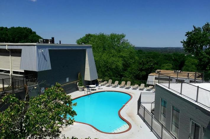 mountainside-birmingham-al-community-pool.jpg