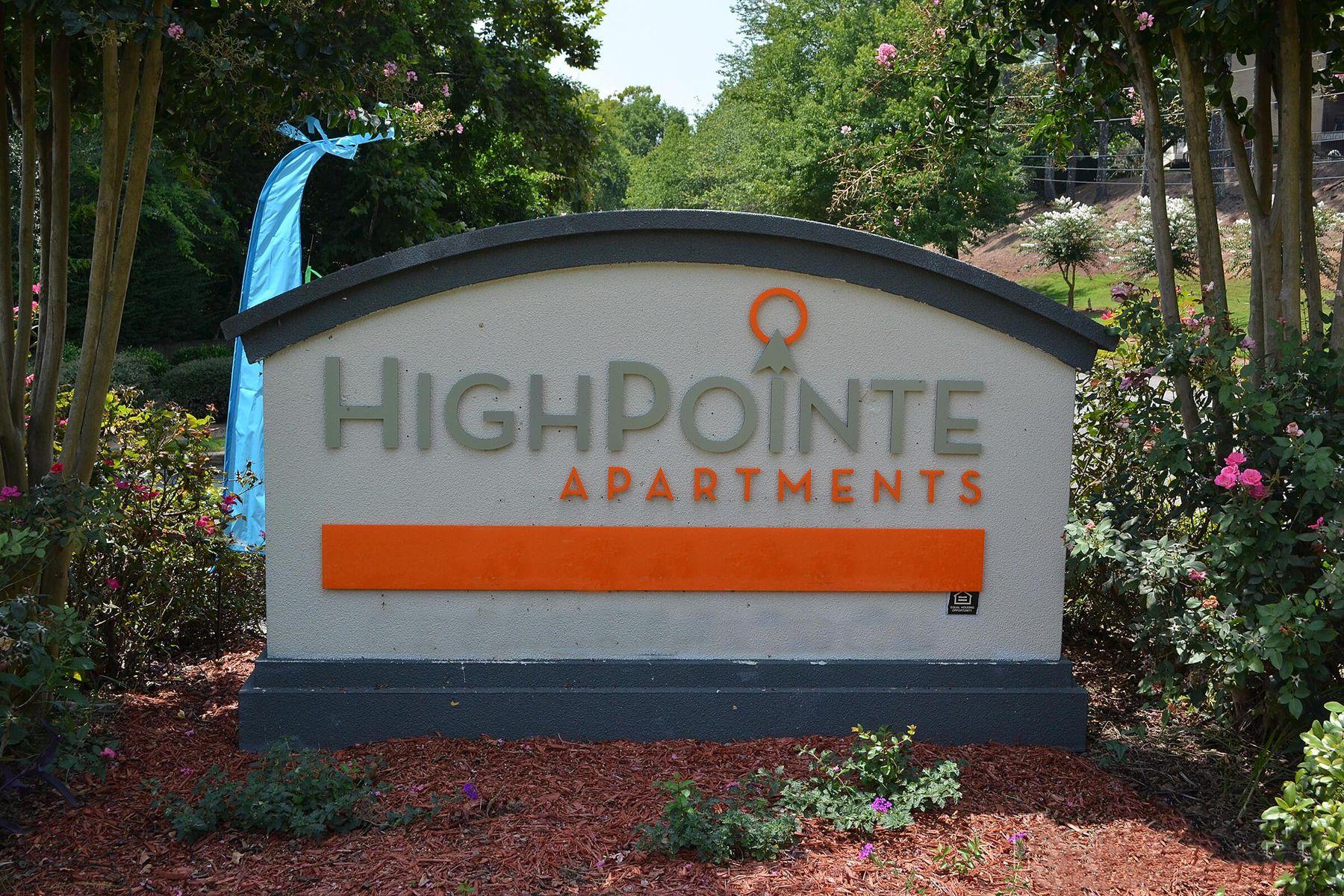 13387_hdp_highpointe_160906_ext_sign1.jpg