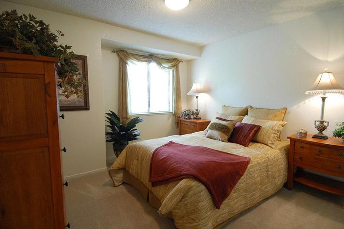We have comfortable bedrooms at Palm Lakes