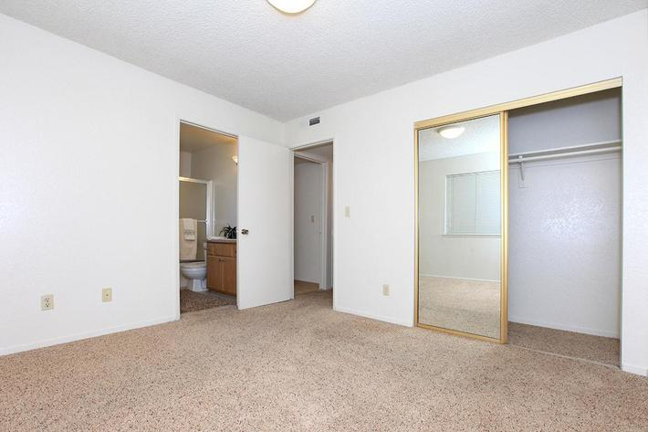 Palm Lakes provide great floors