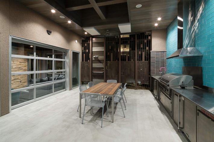 10 BBQ Kitchen Area.jpg