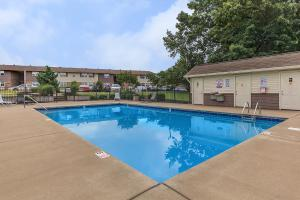Enjoy the swimming pool in Clarksville, TN