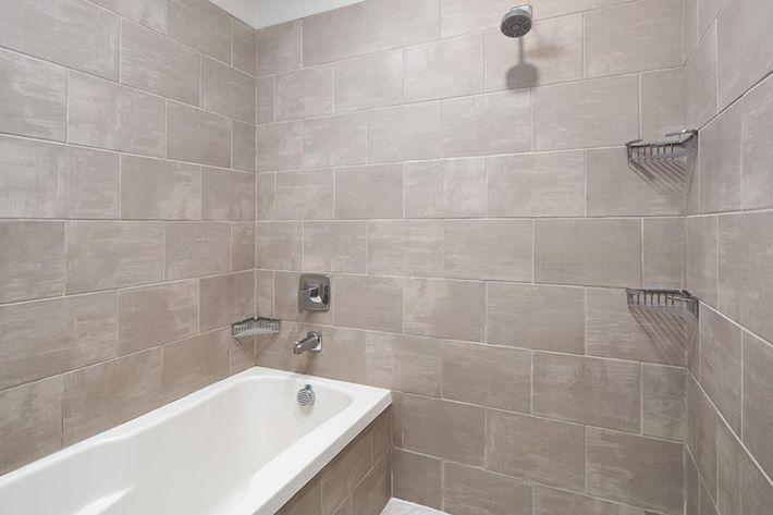 Bainbridge-Lake-Crabtree-Model-BR1-Bathroom-two.jpg