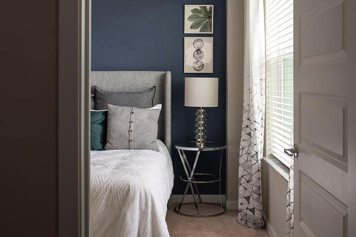 Bainbridge-Lake-Crabtree-Model-BR2-Bedroom-Vignette-1.jpg